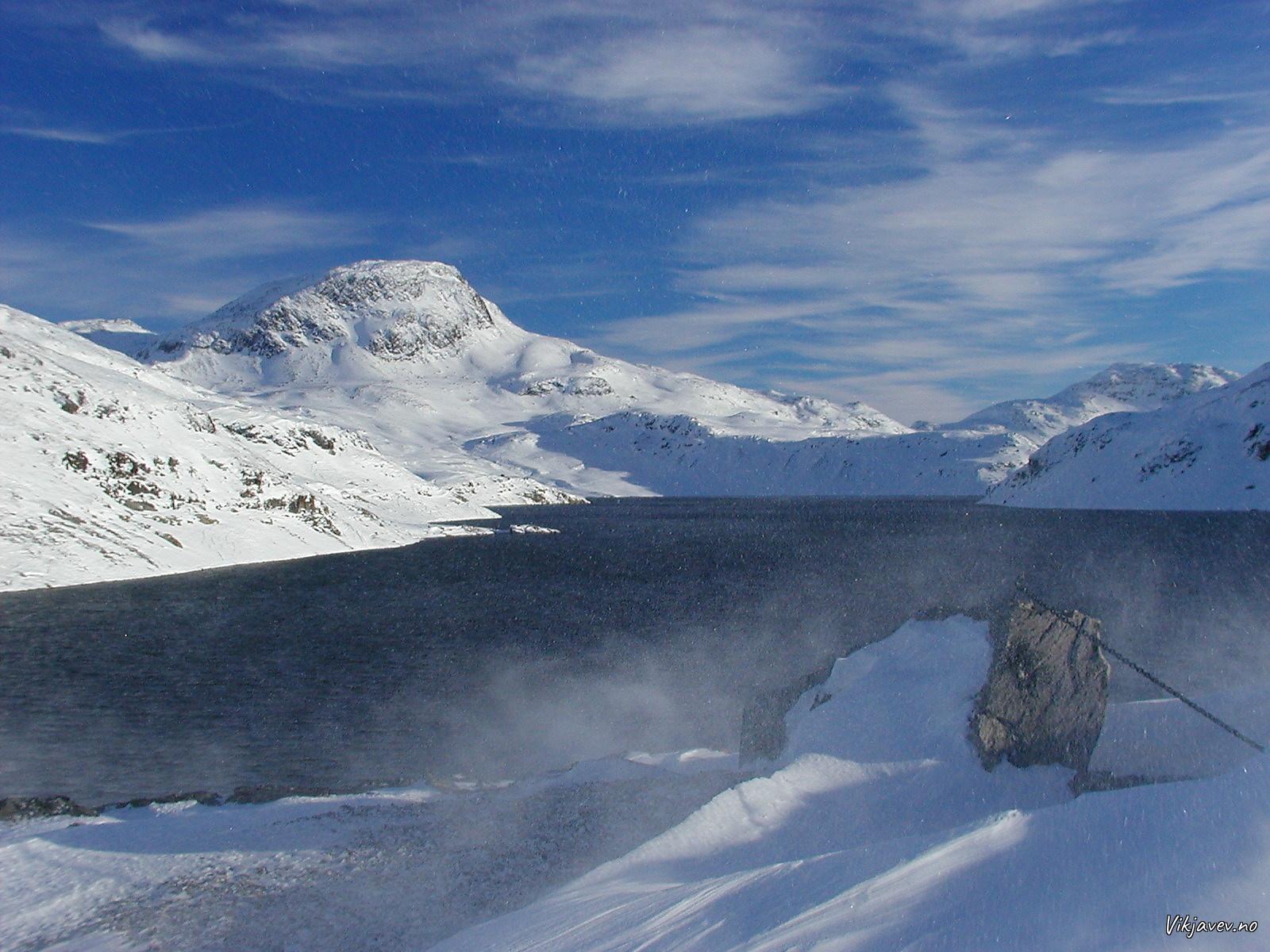 Muravatnet og Blåfjellet frå dammen
