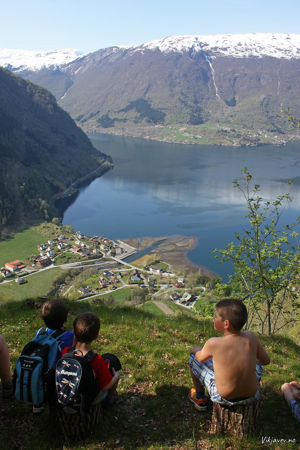 Utsikt mot Framfjorden frå Øykjaskori