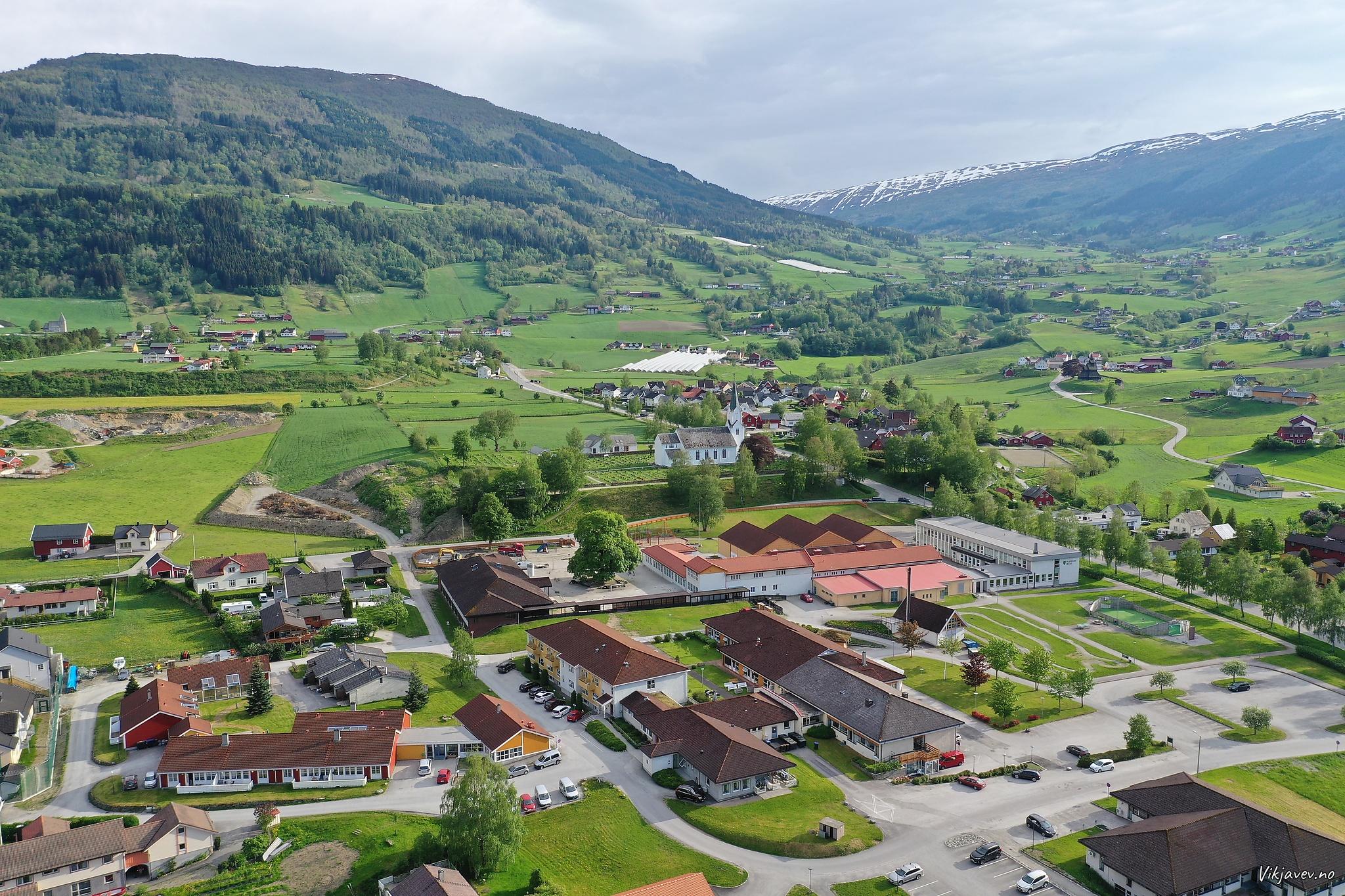 Gamleheimen og Flatbygdi skule