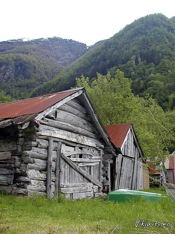 Naust i Valsvik
