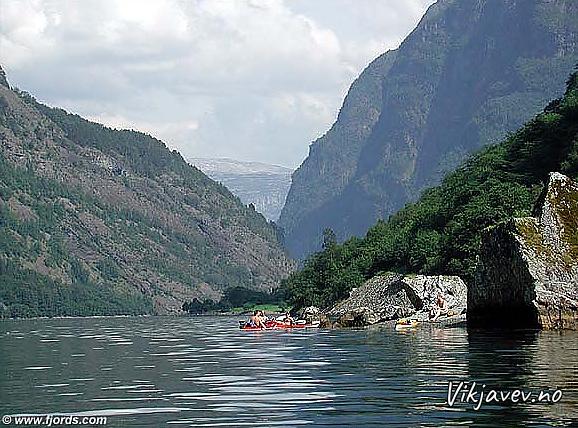 Ut Nærøyfjorden